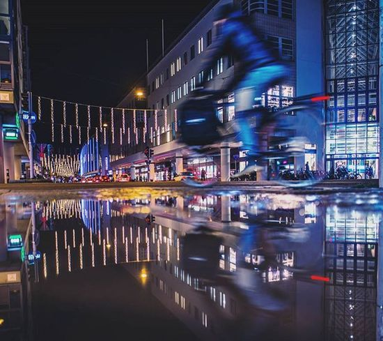And big thanks to @pocket_streetlife for featuring my picture. I couldn't be happier today😄 . Malmö Malmöinthedark Malmöbynight NightShots Hejltmalmo Hallamalmo Streetview_sweden Pocket_streetlife Tv_streetview Tv_pointofview Fatalframes Way2ill Thepuddlegames Puddlegram Puddle_warfare Loves_reflections Triangelnmalmo Gm_cycleby