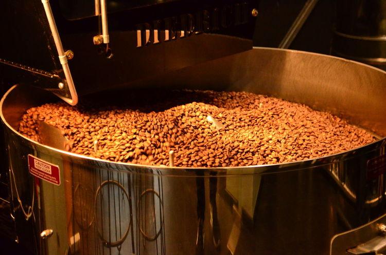Kaffeerösterei Berlin Coffee Roasters Beans Coffee Coffee Beans Coffee Roasting House Food And Drink Food And Drink Industry Indoors  Kaffee Kaffeebohne Kaffeerösterei Machinery No People Röstung