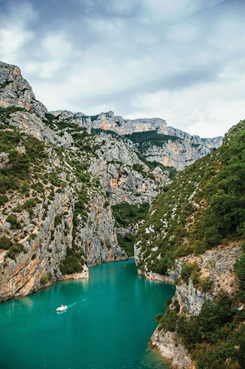 Cliffs on the verdon river near the lake of sainte-croix, in the french provence.