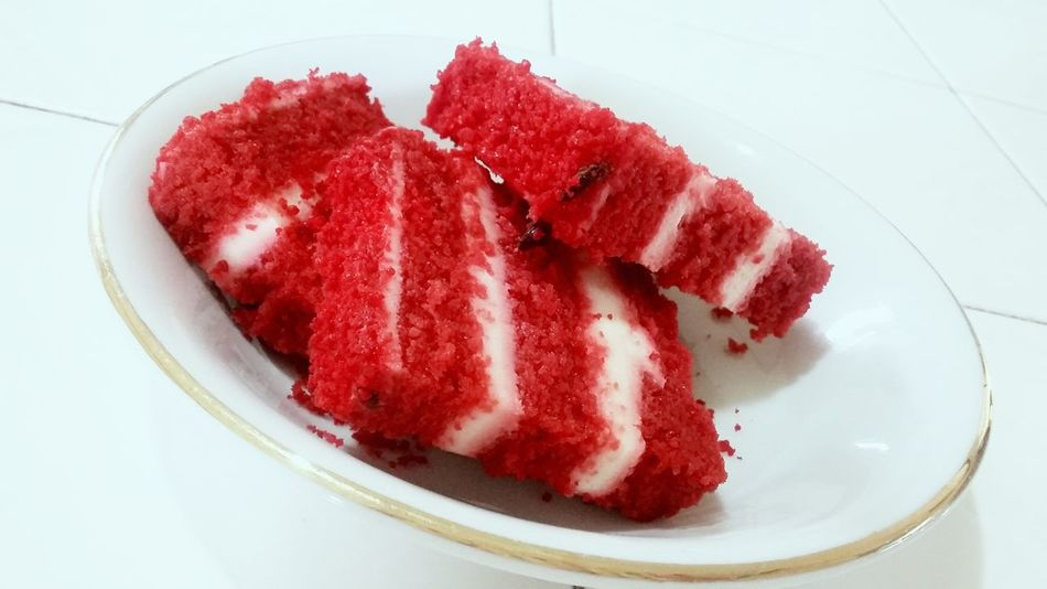 Dessertoftheday Strawberrycheesecake Red Cakeslover it just happened this day...do not make excuse for the sake of art...what is wrong is wrong..living and breathing should have principle too.. Alwaysleaveroomfordessert Holiday Desserts