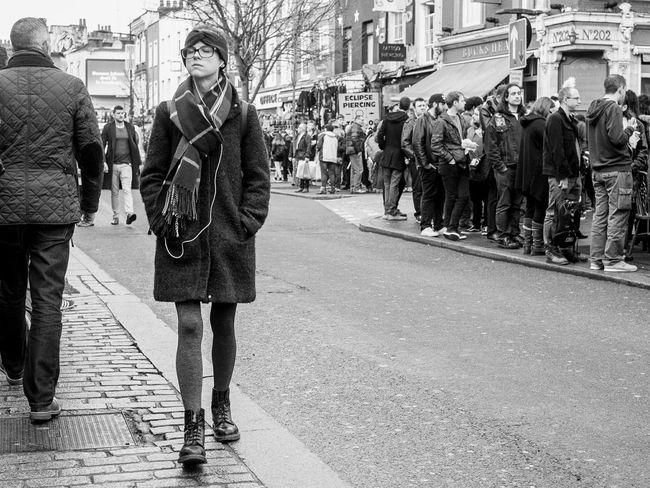 Up Close Street Photography Candid Candid Photography Decisive Moment Open Edit Black And White London Street Photography EyeEm Best Shots Street Fashion FUJIFILM X-T1 The Street Photographer - 2016 EyeEm Awards