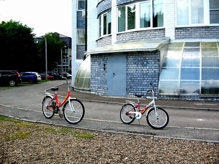 Transportation Land Vehicle Mode Of Transport Bicycle Architecture Stationary Built Structure Parking Building Exterior Parked City Day Outdoors City Life Surface Level Walking Sisters ❤ No People Cycle