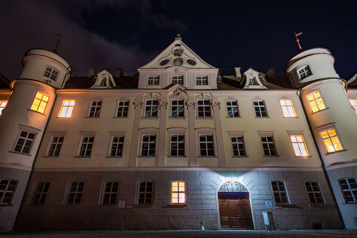 Castle Bad Waldsee at night Bad Waldsee Castle Architecture Building Building Exterior Built Structure City Cloud - Sky Façade History House Illuminated Lighting Equipment Low Angle View Nature Night No People Outdoors Residential District Sky The Past Waldsee Window