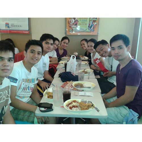 Late Lunch at j0be.. @kaloyiii23 Siredgar JL Red Chris Linsey manheL L0ve f0LkdancefamiLy Lunch j0LibEe