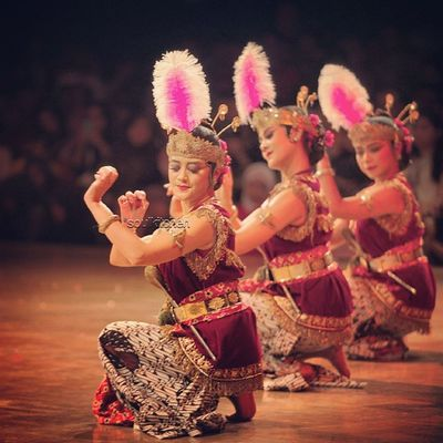 A LOVE STORY Oyikk Worlddanceday Solovely Instadaily dance indonesia