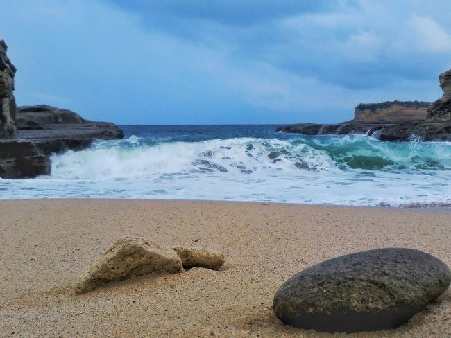 Sea Beach Horizon Over Water Rock - Object Vacations Sand Water Sky Travel Destinations Beauty In Nature Power In Nature Day Nature Phonegraphy EyeEm Best Shots EyeEm Gallery No People Octavianuspict INDONESIA Clear Sky Lenovoa6000 PhonePhotography Eyeemindonesia