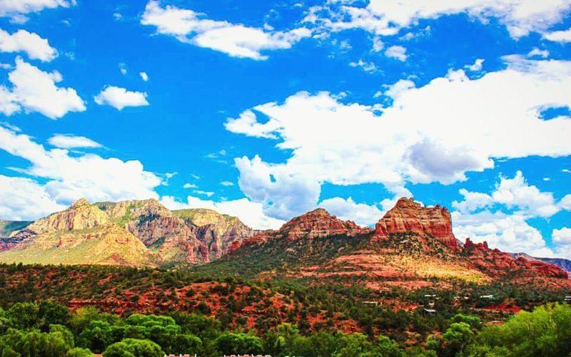 Sedona, AZ. The beauty is breathtaking! DesertBloomPhotography Canonphotography Beautifulsky Sedona, Az Lovetoclick Lovetotravel Sedonaredrocks Sedonamountains