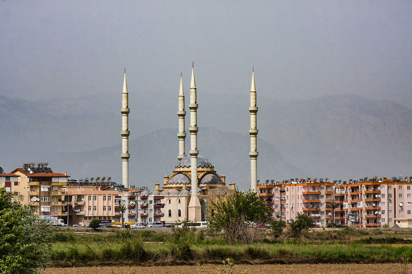 Manavgat, Moschee nach der Hagia Sophia eine der grössten der Türkei one of the greatest moscees in turkey after Hagia Sophia Kultort Architecture Building Exterior Built Structure City Day Islam Mosche Moscheee Nature Outdoors Religion Sky