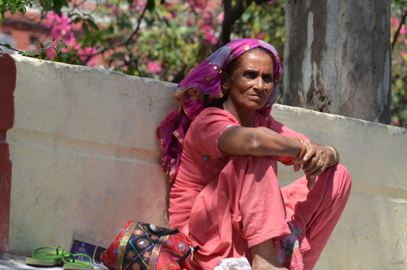Anticipation Colors Homeless Hope Hunch Hunger India Madness Portrait Poverty Strongwomen Travel Photography Unprivileged Well  Wrinkles