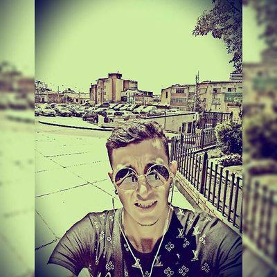 Dios es el que salva. Dios es el que cura. Dios es el que sana. Tan solo tenemos que creer en Él para comenzar a recibir sus bendiciones...💯🎶👏🙏🎧🎹😎 Selfie City Live Urban Black Dios Glass Like4like Bless Summer Filters Feelingmusic Smile Bogotá Center