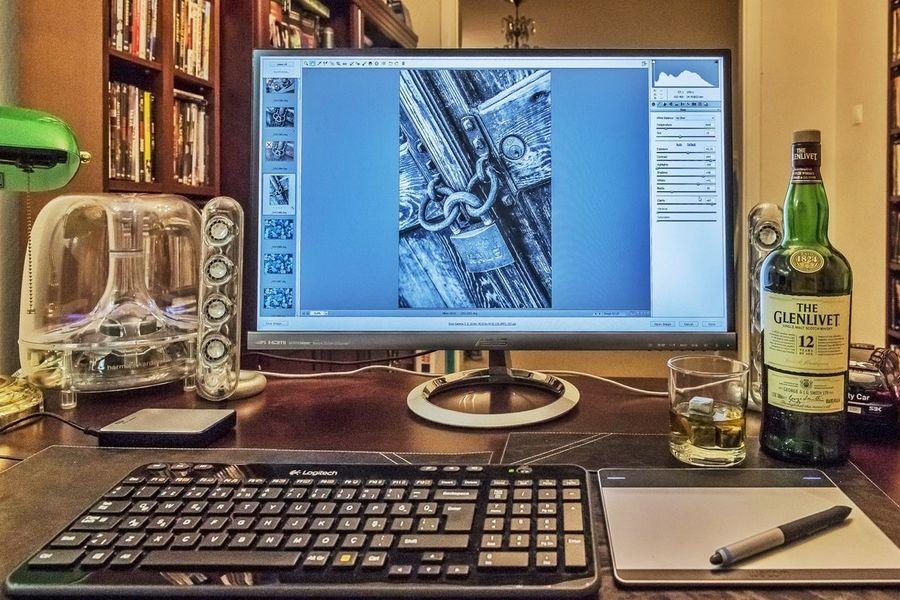 Photo editing process at my home.. Alsancak Izmir Photographer Photography