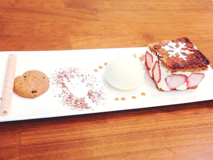 Strawberry Coffee Time Dessert Cake Ice Cream Cookies