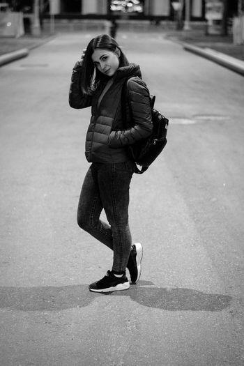 Black&white Night Beautiful People Girl Moscow Bealtiful White VDNH City City Life