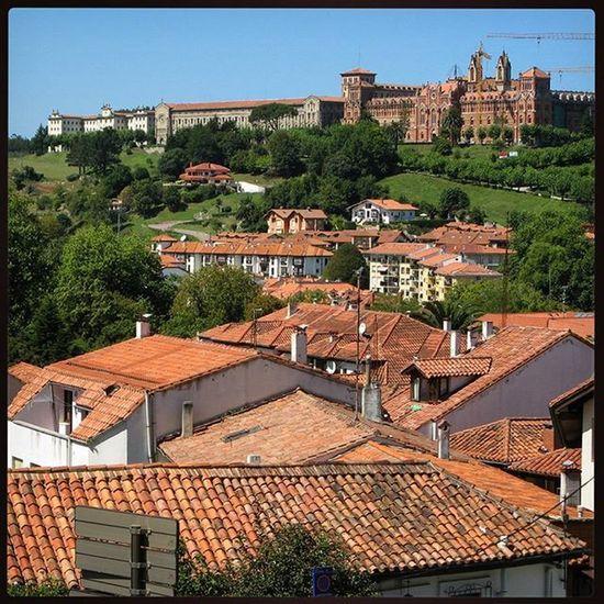Ig_europe Ig_spain Ig_cantabria España Cantabria Comillas Landscape Paisaje Loves_architecture Loves_spain Loves_cantabria Estaes_cantabria Испания Кантабрия Комильяс пейзаж крыши