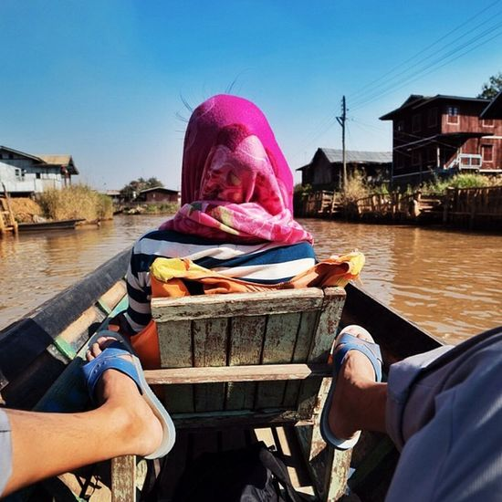 Crusing on Inle Lake Boating Burma Inlelake 藍白拖 Sun Nature Water Instagood Photooftheday Beautiful Sky Clouds Cloudporn Shore Beachbody