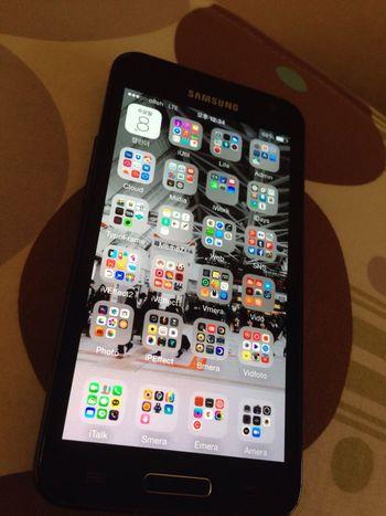 Samsung Galaxy Apple IOS 8