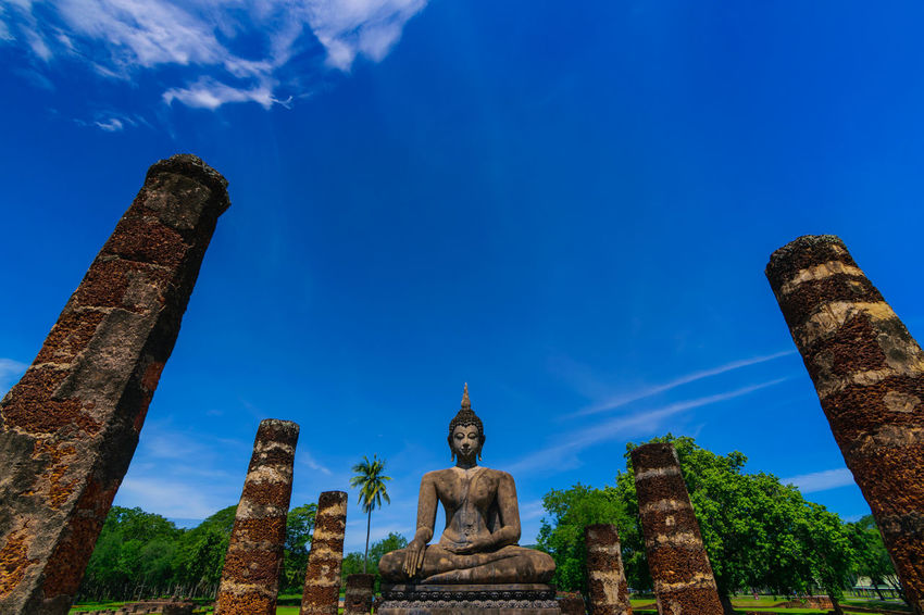 old Sukhothai Old Buddha Ancient Civilization Sculpture Statue City Place Of Worship Spirituality Religion Business Finance And Industry Cultures King - Royal Person