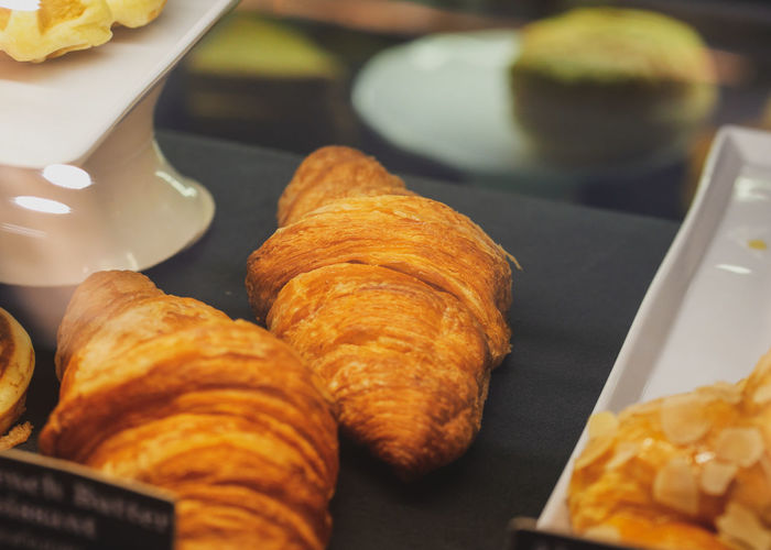 Breakfast Film Vintage Style Blur Blurred Coffee Break Coffee Shop Morning Shop Display Puff Pastry French Food Croissant Plate Cultures Baked Pastry Item Close-up Sweet Food Food And Drink Tart - Dessert Unhealthy Lifestyle Sweet Pie Pastry Dough Pie Bakery Baked Dessert Cafe Street Food Cafeteria