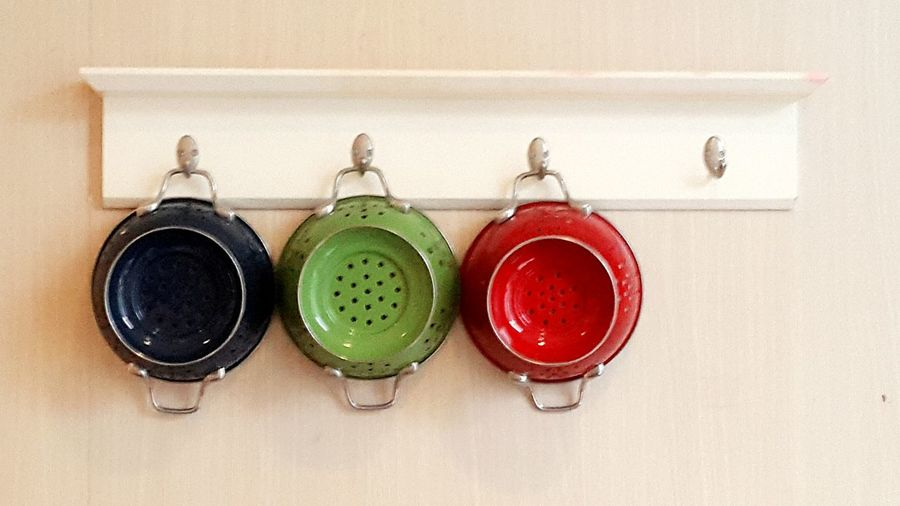 pan Color Pan Cook  Kitchenware Interior Wall Interior Wall Decoration No People Kitchen Decoration Indoors  Green Color Close-up Red Color