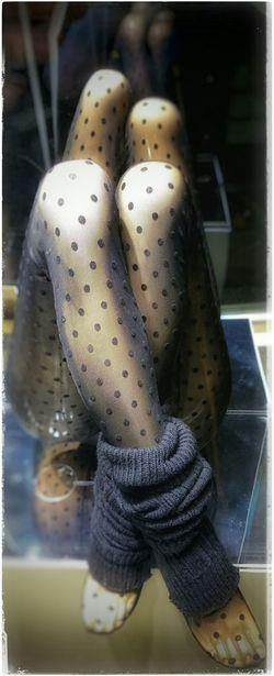 Futuristic Futurama Legs_only Legsselfie Hot Legs  Body Language Dotsdotsdots Window Shopping