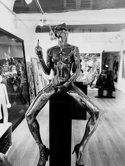 IPhoneography EyeEmNewHere Indoors  Representation Human Representation Art And Craft Male Likeness Architecture No People Creativity Sculpture Female Likeness Luxury Window Statue