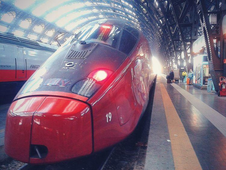 """""""Italo"""". Trains Treni Italo High Speed Train Locomotrice Stazione Centrale Milano Trainporn Smartphone Photography S3mini Camerazoomfx in HDR shooting mode. VSCO Edited"""