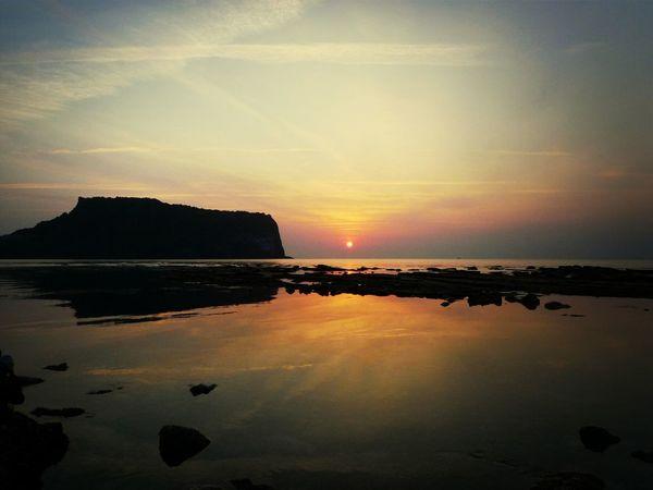 아름다운 제주 일출. 성산 일출봉?? ㅎ Sunrise... Waterreflections  JEJU ISLAND