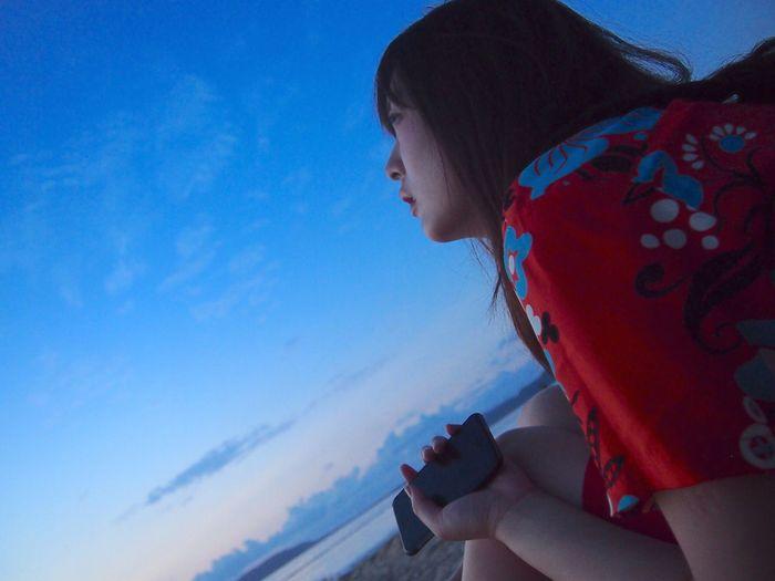 Her eyes were on the beautiful sunset 💕 Sunset Ishigaki Island Okinawa Japan フサキビーチ Beauty Beautiful 石垣島
