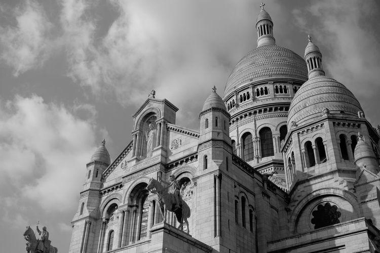 Basilique Du Sacré Cœur Butte De Montmartre Paris Paris, France  Building Exterior Cloud - Sky No People Outdoors Sky 圣心教堂 巴黎 法国 蒙马特
