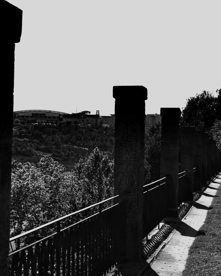 standing Blackandwhitephotography Portugalbnw Bnw_of_our_world Bnwsouls Bnw_of_the_world Bnw_captures Bnw_magazine Bnw_top Bnw_mood P3top Photowall_bnw Architecture Built Structure Nature Sky Clear Sky Building Exterior Day No People History Outdoors Sunny