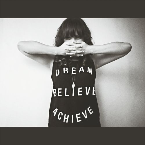 DREAM.BELIEVE.ACHIEVE Forever 21 Self Shot Schattenspiel  Black And White Photography