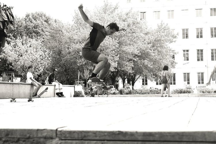 D_Eye Photography Canon EOS 1855mm Lyon France Picoftheday Instapic Instagood People Street Adult Man Skate Group Action Athlete One Child Skateboard Full Length Friendship Motion Silhouette Enjoyment