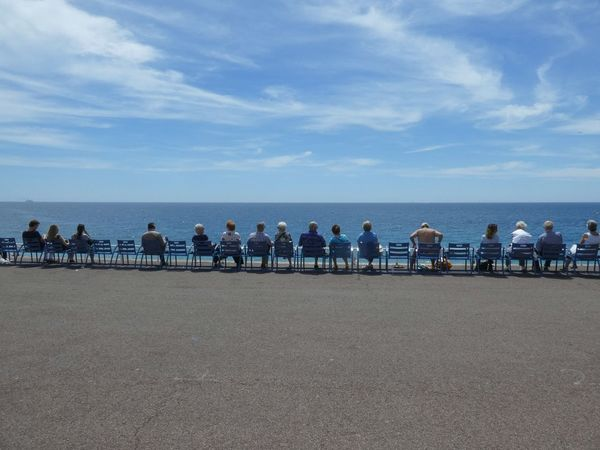 Oceanview Horizon Over Water Large Group Of People Summer Sky EyeEm Gallery Blue Sea Outdoors Beach Vacations People In A Row Sitting Outside Sitting In The Sun Side By Side Oceanview Relaxing Time Italy Nizza Travelling Live For The Story Leisure Activity From My Point Of View Tranquil Scene Street Photography The Street Photographer - 2017 EyeEm Awards Sommergefühle Connected By Travel An Eye For Travel