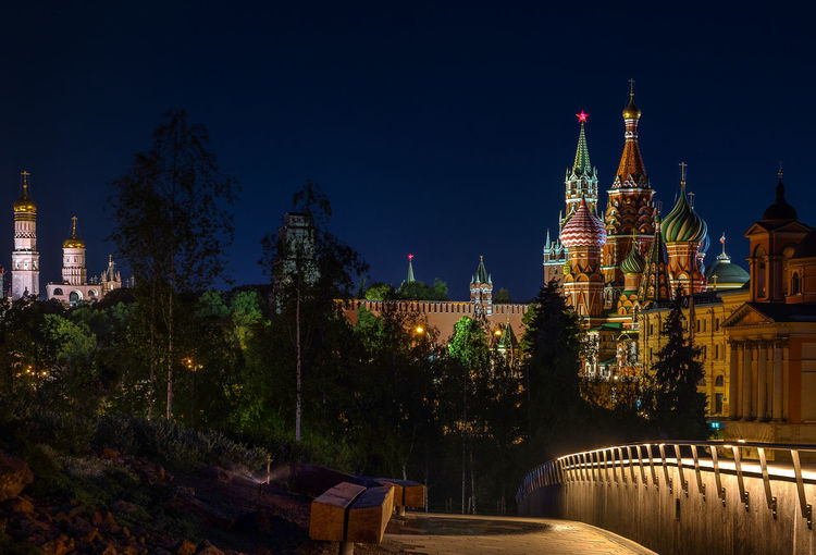 St basil cathedral against sky at night