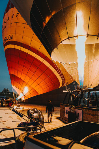 Transportation Real People Air Vehicle Mode Of Transportation Leisure Activity Travel Hot Air Balloon People Group Of People Sky Adventure Men Nature Sport Extreme Sports Lifestyles Incidental People Balloon Outdoors