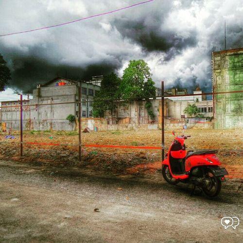 ScoopyIndonesia Bokeh Streetphotography