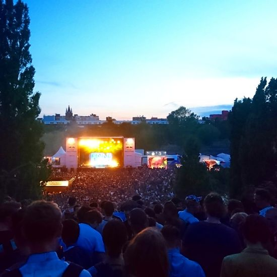 Music Crowd Arts Culture And Entertainment Music Festival Popular Music Concert Large Group Of People Performance People Nightlife Live Event Audience Entertainment Event Mauer Park Fetedelamusique #FREIHEITBERLIN HUAWEI Photo Award: After Dark