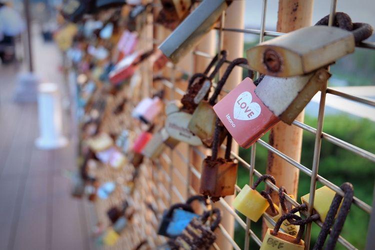 Love Lock Love Lock Love Padlock Safety Peace And Love ✌❤ Peace