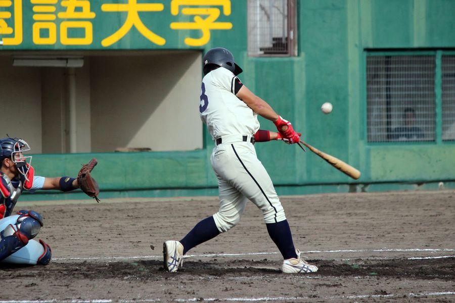 Broken bat😂😂😂 野球 Baseball 折れたバットから放たれた打球は、内野フライ。。😭