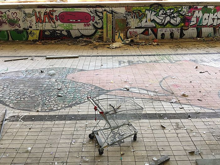 Iphonephotography OpenEdit Taking Photos Myfuckingberlin Lostplaces Shoppingcart Graffiti I Found A Shopping Cart