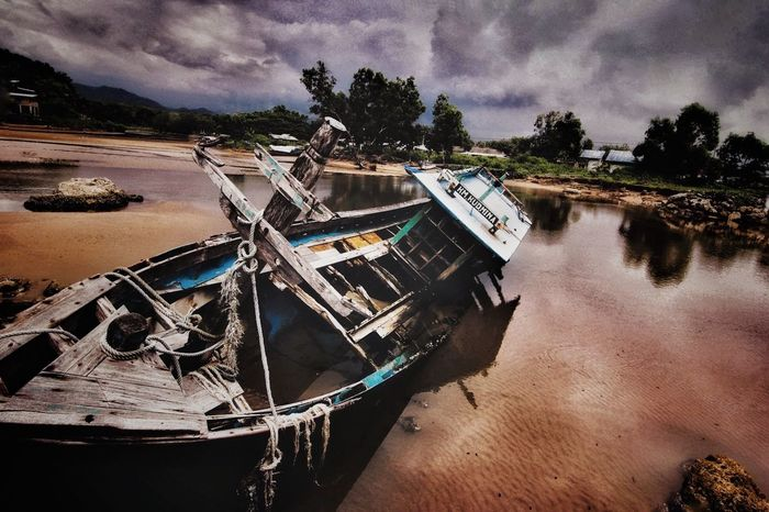 Wreck Photography Canon Explorepacitan Capture The Moment Tokina 11-16 Mm F/2,8 Landscape_Collection Sky Dramatic Sky Captured Moment Lost In The Landscape