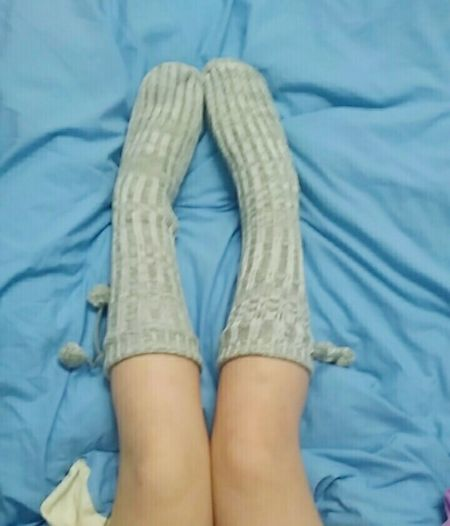 New fluffy socks😍 Human Body Part Human Foot Human Leg Cozy At Home Cozy Cozy Moments Cozytime Cozynights Cozy And Warm Always Be Cozy Cozy Bed Socks Selfie Socksygirl Socksmania Socksporn Sockslover