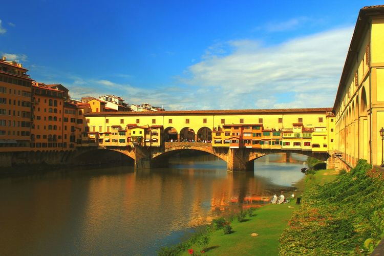ıtaly Toscany Florence Italy Florence Ponte Vecchio - Firenze Ponte Veccio Arno  Arno River River City Architecture Bridge - Man Made Structure Old Bridge Travel Destinations History Vacations Reflex Italia Toscana Firenze Brige Photo City Italy Photos Italy Holidays Firenzemadeintuscany
