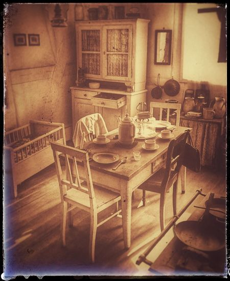 Vintage / oldschool living in Germany Home Home Interior Architecture Edit Vintage Vintage Style Old Old Buildings Remember Damals Romantic Love No People Beautiful Beauty Architectural Column Hello World Germany Deutschland Europe Good Old Times Old-fashioned Chair Table History Analog Civilization The Past Vintage Historic Building