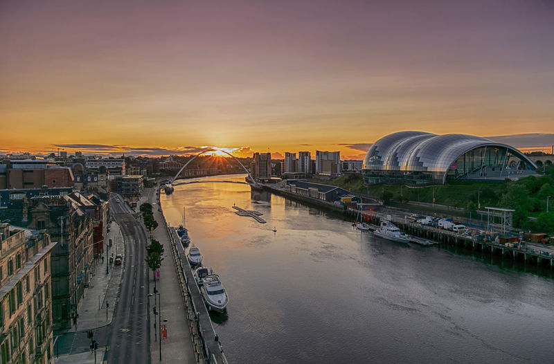 Easy like Sunday morning... have a great one everybody. A New Beginning Summer In The City Europe England Great Britain Newcastle Upon Tyne Colourful Sky City Life Sunrays Sunrays_penetrating_clouds Sunrise Bridge Bridge - Man Made Structure Gateshead Millenium Bridge Gateshead Gateshead Quays Sage Gateshead Sage City Cityscape Sunset Skyscraper Urban Skyline Water Illuminated