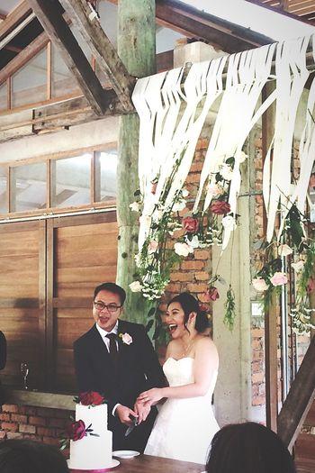 第一次參加這麼 intimate 的garden wedding;是個溫馨感人氛圍的婚禮,更像是聚會多些。登對完全符合他們倆,很自在享受的一個早晨,沒有太多的包裝,講究的是那份誠意與真心!