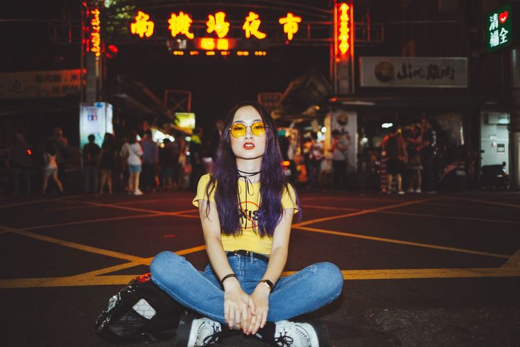 Chill night City Street Streetphotography Way2ill Women Girl EyeEmNewHere EyeEm Best Shots Enjoying Life Portrait Of A Woman Portrait Taiwan Taipei Nightphotography Real People One Person City Lifestyles Leisure Activity Architecture Adventures In The City EyeEmNewHere