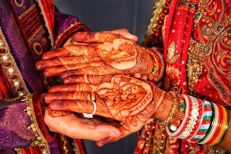 Indian Mehdi Mehdi Indian Mehdi Indian Traditional Marriage Human Hand Bridegroom Wedding Dress Togetherness Life Events Ceremony Bonding Bangle New Life Traditional Ceremony Beginnings Newlywed Jewelry Wedding Ring Groom Henna Tattoo Wedding Ceremony Wedding Vows Married