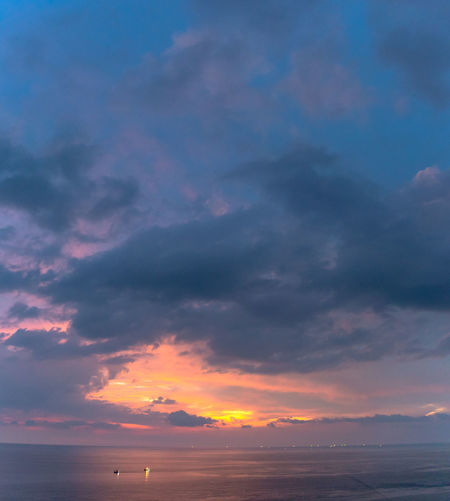 panorama sunset at Laem Promthep Cape. The landmark and popular viewpoint of Phuket Thailand. in every day a lot of tourists come here to watching sunset. Promthep Cape,phuket,landmark,travel, Promthep Phuket Landmark Viewpoint Famous Place Sunset, Sky Cloud - Sky Sweet