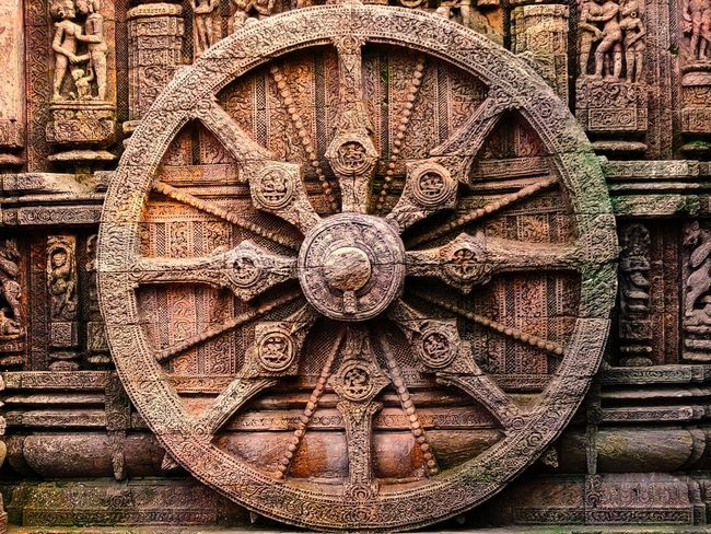 The Wheel Of Life Backgrounds Full Frame Pattern Close-up Carving - Craft Product Concentric Art Geometric Shape Carving ArtWork Statue